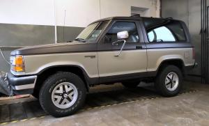 Ford Bronco II Country Classic Cars